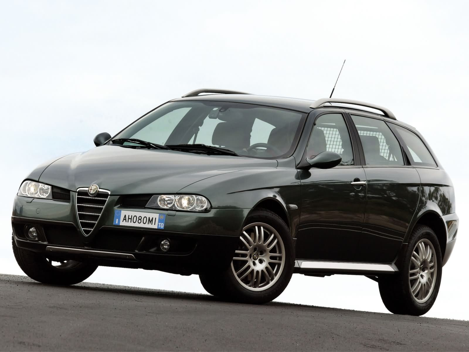 alfa romeo 156 crosswagon 1 9 16v jtd m jet 150 hp car technical data power torque fuel tank. Black Bedroom Furniture Sets. Home Design Ideas