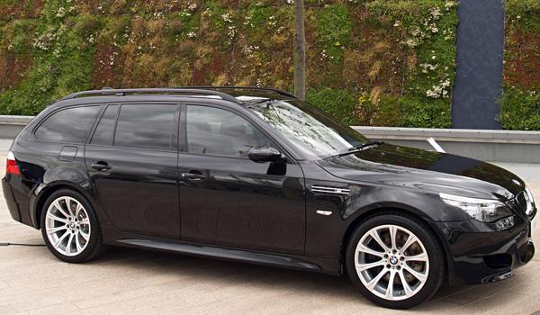 bmw m5 touring e61 5 0 i v10 507 ps auto technische daten. Black Bedroom Furniture Sets. Home Design Ideas
