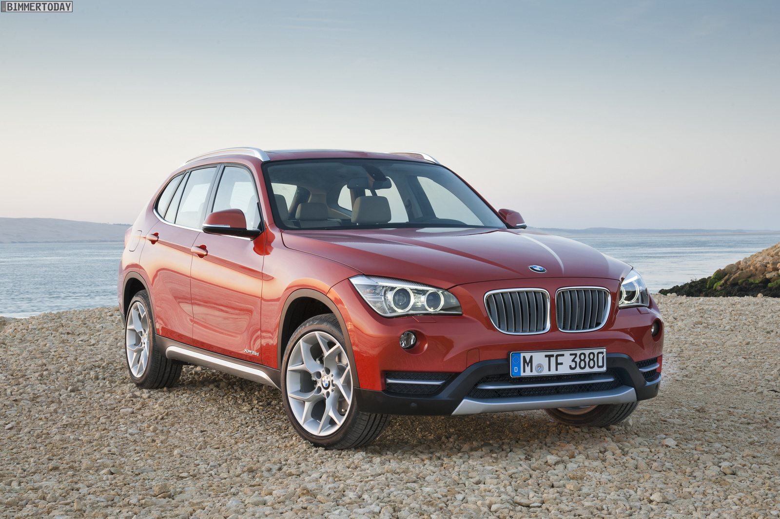 bmw x1 car technical data. car specifications. vehicle fuel