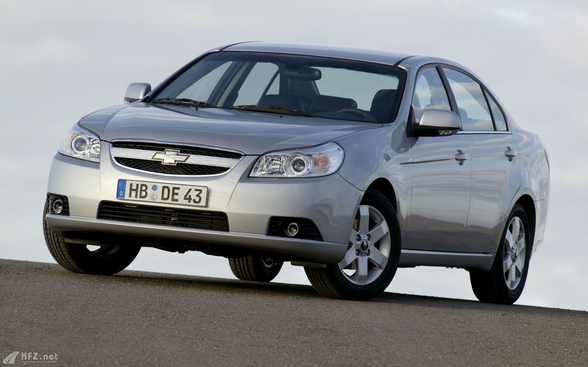 Chevrolet Epica 2.0 VCDi LS 4dr diesel saloon at Cheap Price