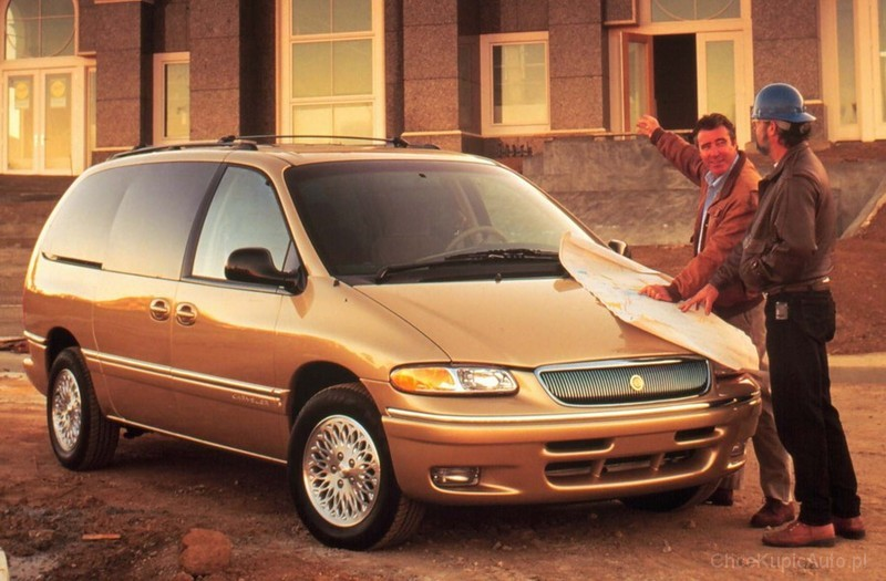 Chrysler Town and Country III