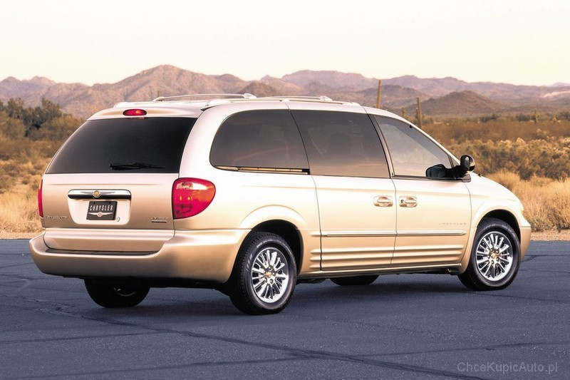 Chrysler Town and Country IV