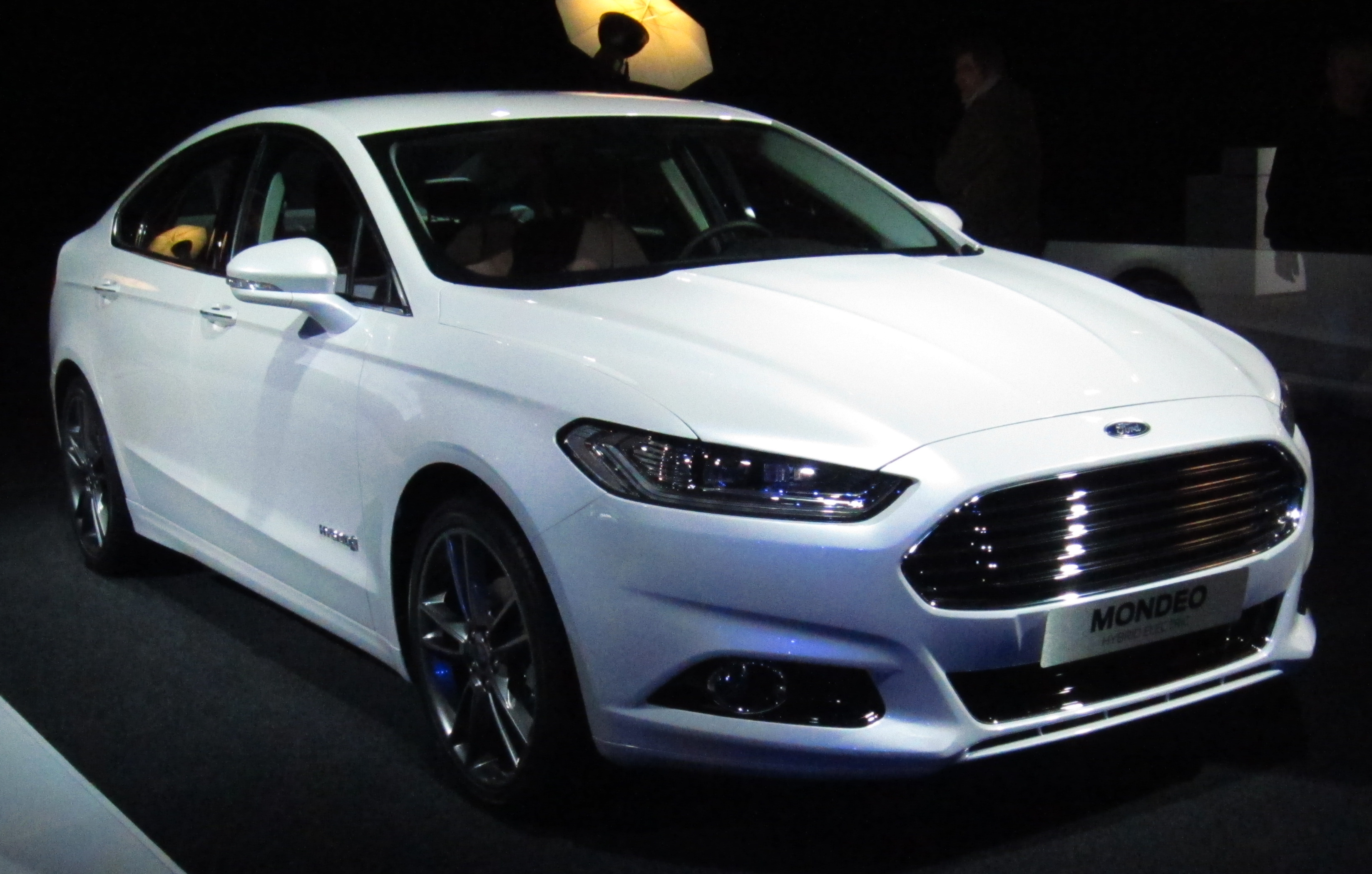 FORD Mondeo car technical data. Car specifications. Vehicle fuel
