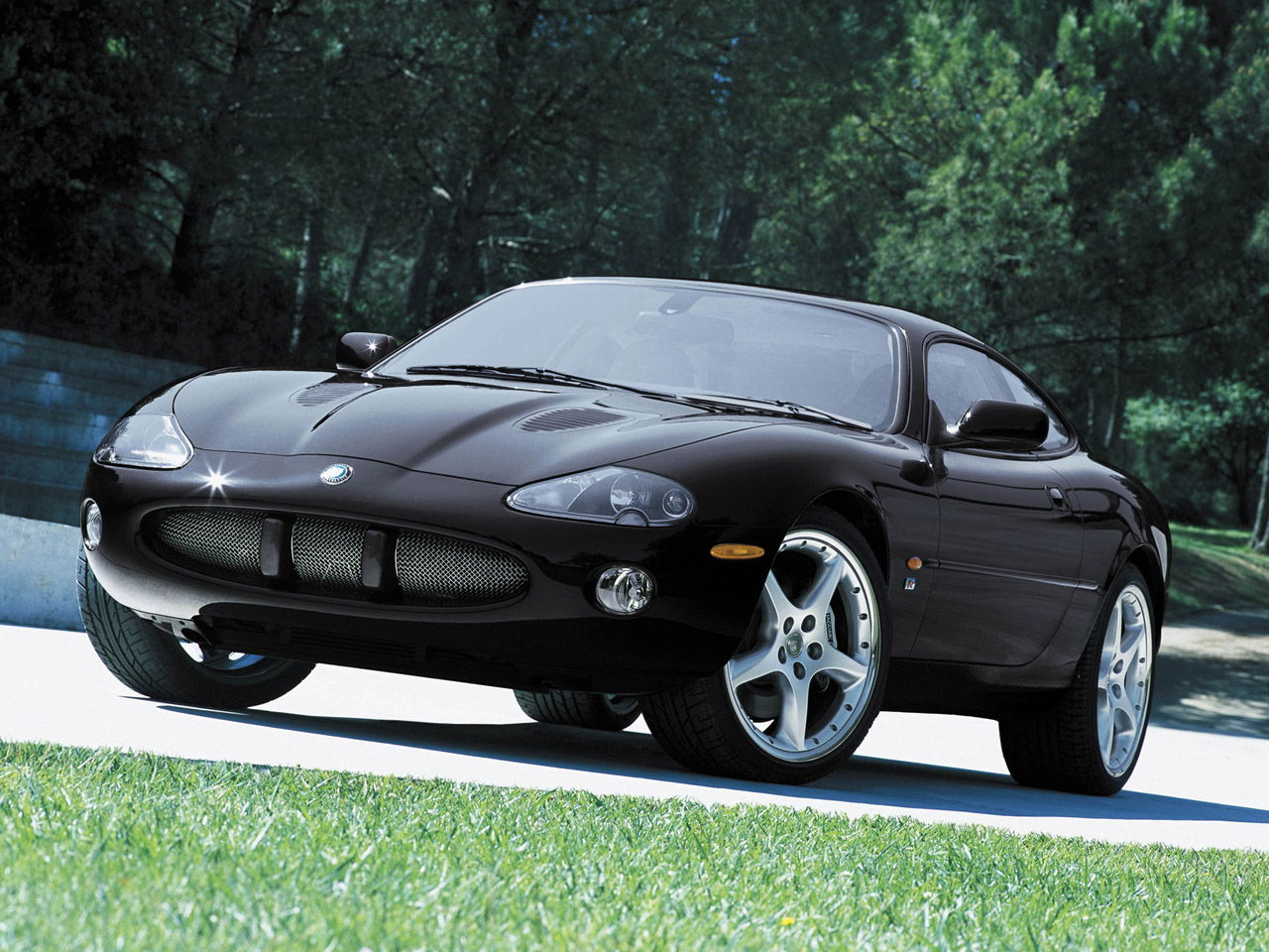 jaguar xk 8 coupe qev xk8 4 0 i v8 32v 284 cv donn es techniques des voitures puissance. Black Bedroom Furniture Sets. Home Design Ideas