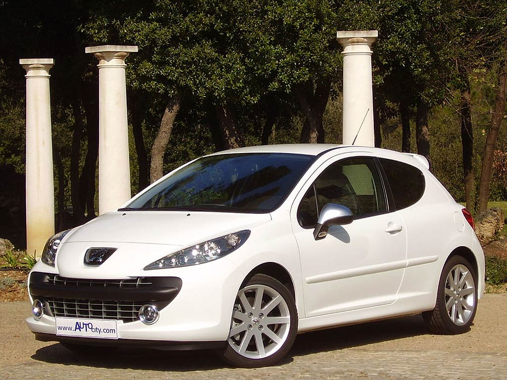 peugeot 207 1 4 i 75 cv donn es techniques des voitures puissance capacit du r servoir la. Black Bedroom Furniture Sets. Home Design Ideas